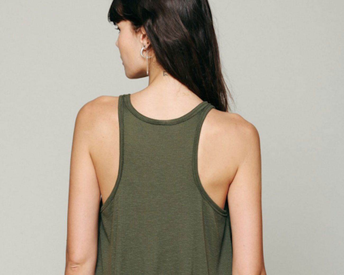 The-Perfect-Tank-Top-and-How-to-Style-It