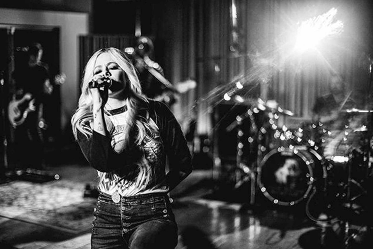 Avril Lavigne's Powerful Song Is the New Battle Cry for People in Pain