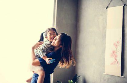 One-healthy-way-a-SAHM-handles-jealousy-of-her-husband